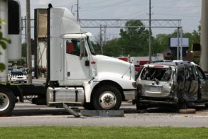Your guide for choosing between Albuquerque truck accident lawyers